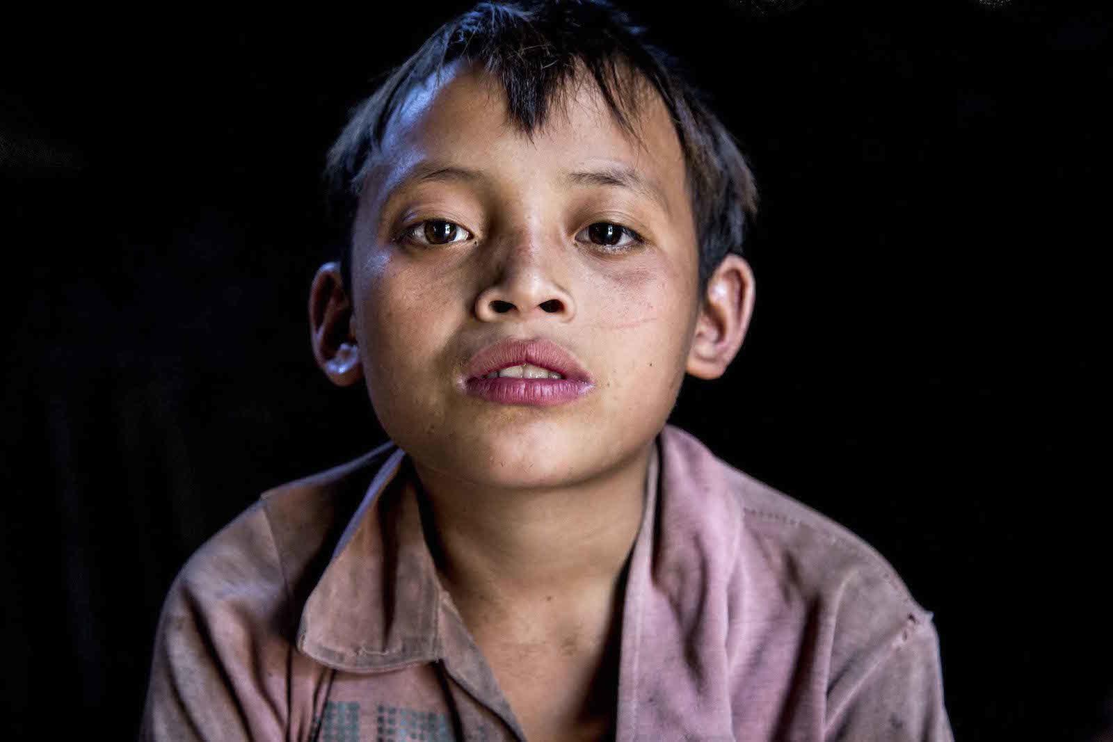 tirage photo enfant particulier chez les akhas du laos