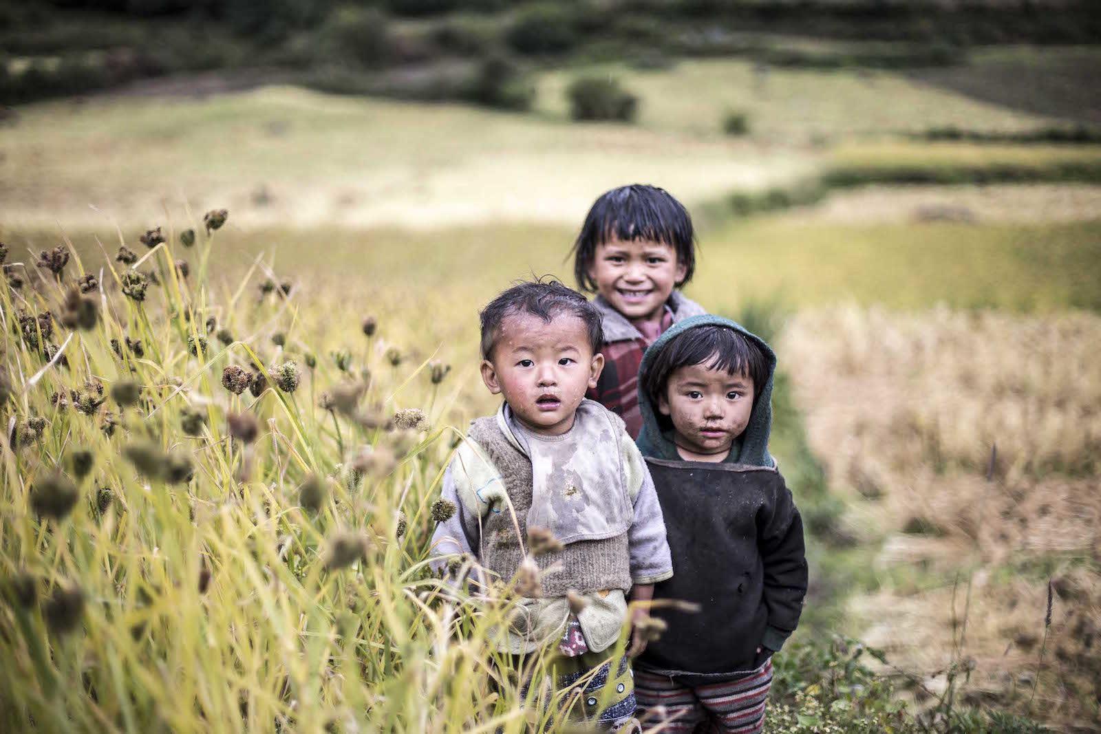 tirage photo ensemble chez les tsumbas du nepal