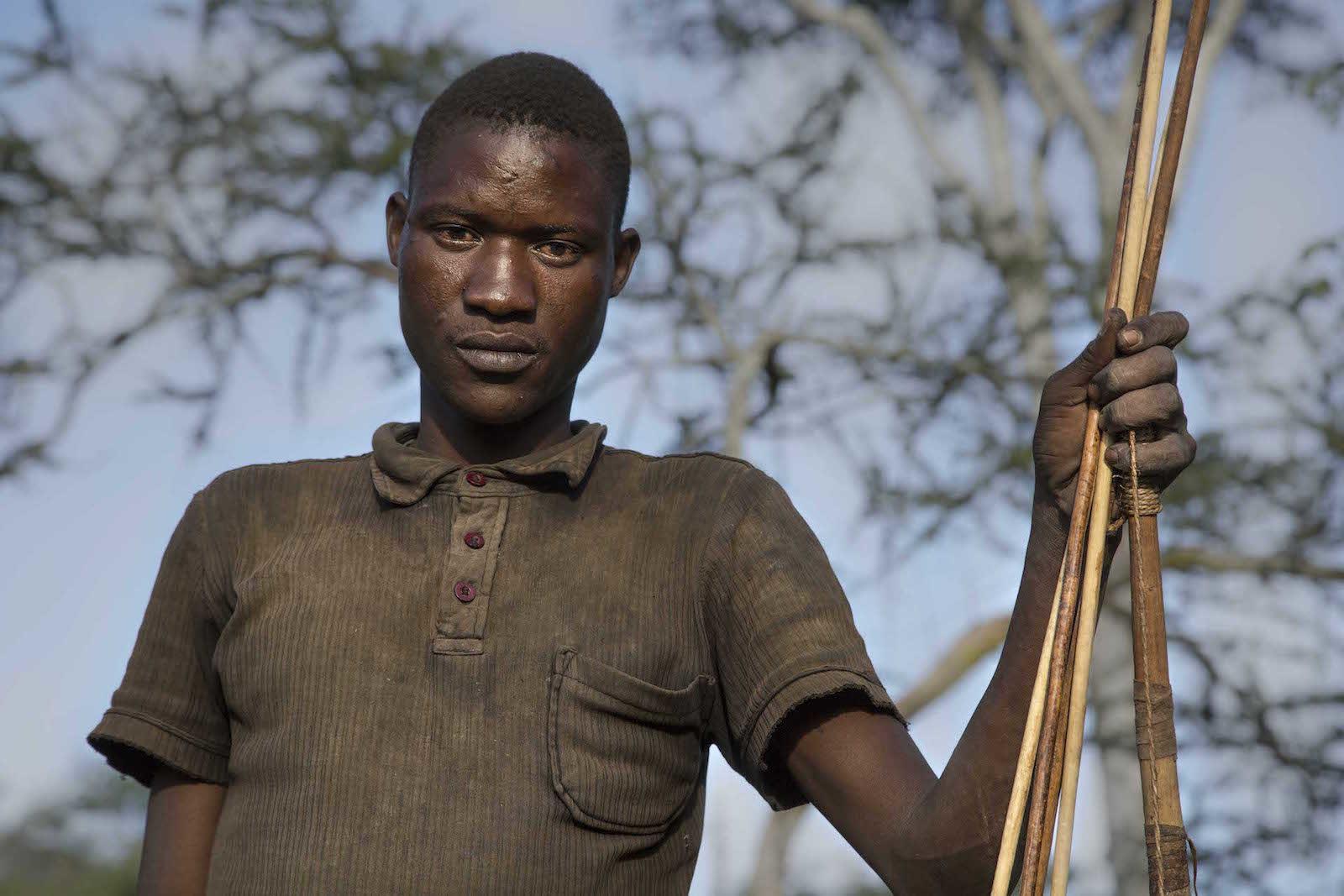 tirage photo inquietude chez les hadzabe de tanzanie