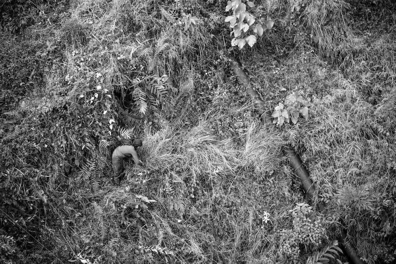tirage photo travail perilleux chez les tsumbas du nepal